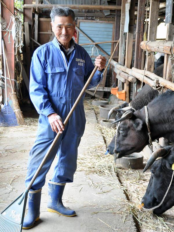 繁殖和牛に取り組む大曽根さん