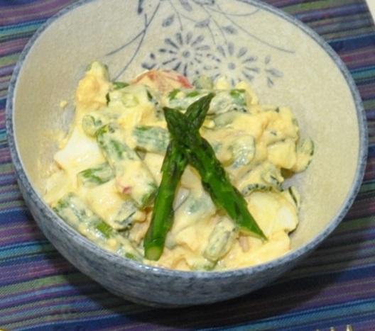 アスパラガスとゆで卵のサラダ
